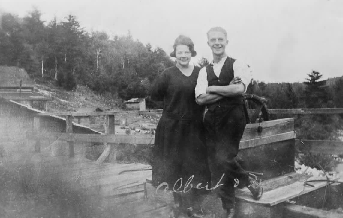 vintage photo circa 1923 of albert and mary stubinsky standing on hydro dam
